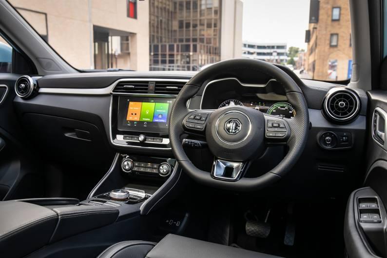 Электромобиль MG ZS EV фото салона