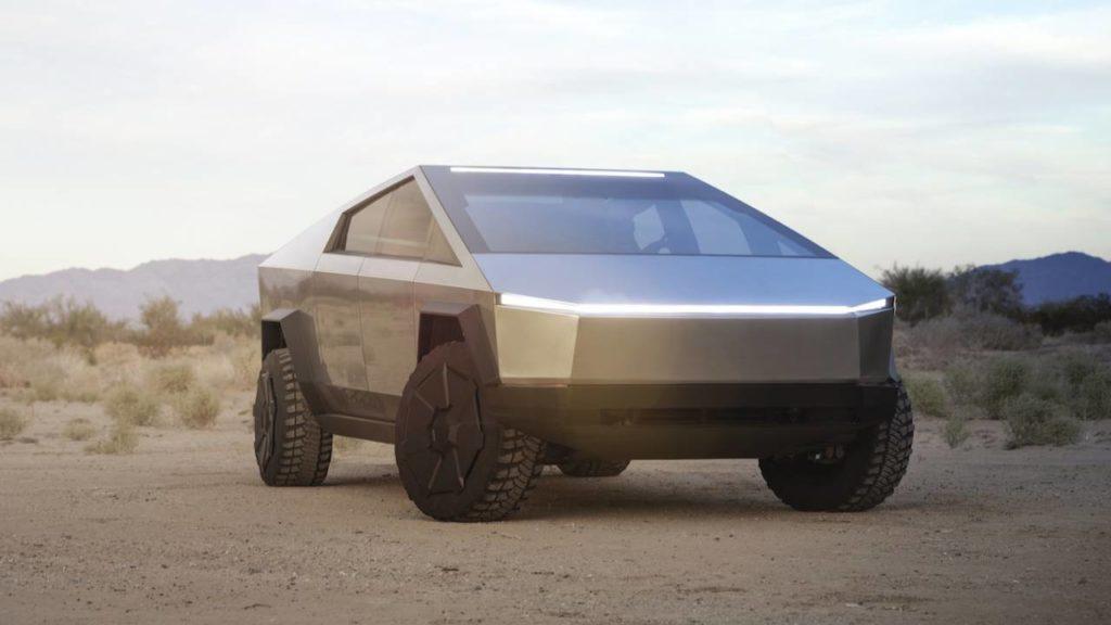 """Илон Маск презентовал 21 ноября долгожданный, амбициозный проект Tesla Cybertruck. Прототип оказался не похож на большинство ранее предоставленных публике релизов, но очень близок к киберпанку в стиле """"Бегущий по лезвию 2049""""."""