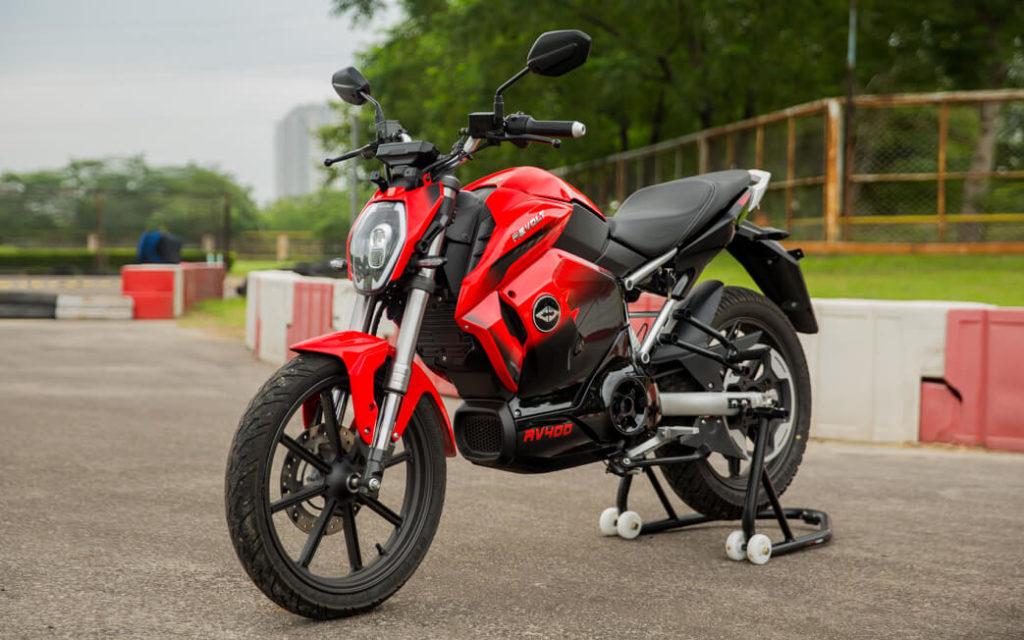 Электромотоцикл Revolt RV400 будет доступен в России после того, как компания закроет предзаказы внутри страны