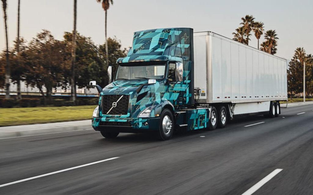 Электрический грузовик Volvo VNR Electric приступили к работе в США, Калифорния