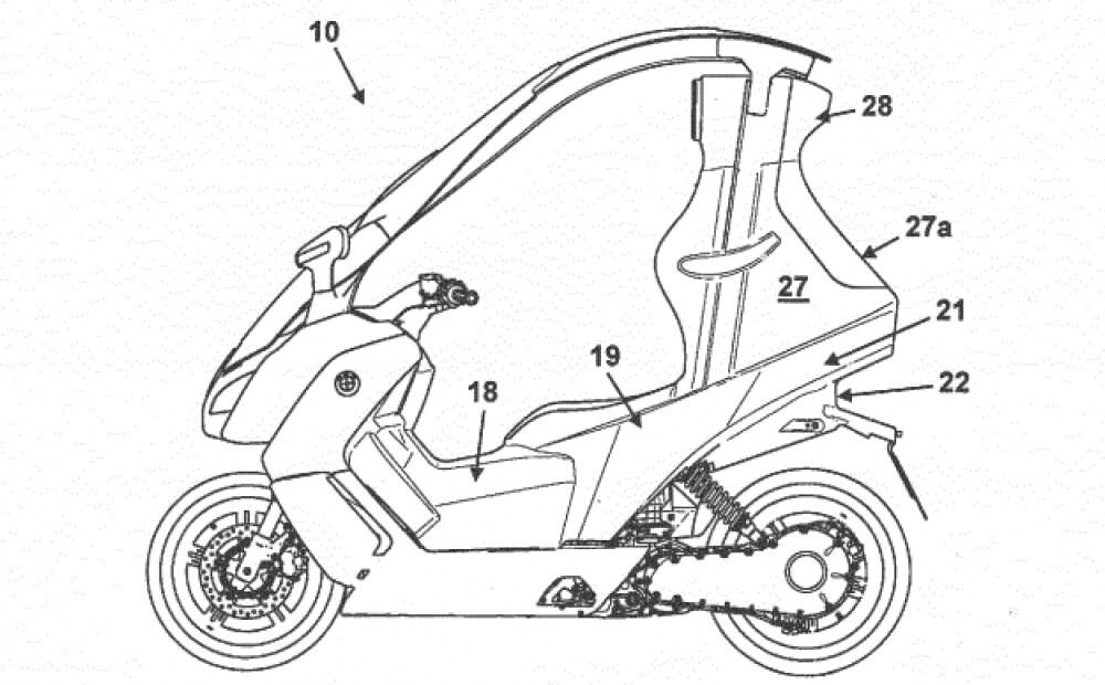 Спустя полгода после дебюта мотороллера, BMW запатентовала пассажирскую капсулу для модели. Оно предусматривает полноценное кресло и страховочный ремень. С таким модулем в BMW C Evolution можно чувствовать себя вполне комфортно при любой погоде.