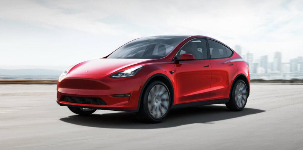 Производство Tesla Model Y на заводе во Фримонте начали с опережением графика, что не свойственно для Илон Маска. По всей видимости спешка отразилась на качестве сборки. На форумах и в соц. сетях стали появляться фото дефектов, которые выставляют пользователи.